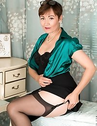 Horny MILF can't wait to take off her lace panties and play