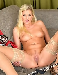 Hot blonde trophy wife shows her sweet pink insides