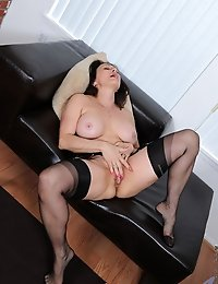 Cougar Jillian Foxxx flaunts her big tits and fucks her sweet pussy on the chair